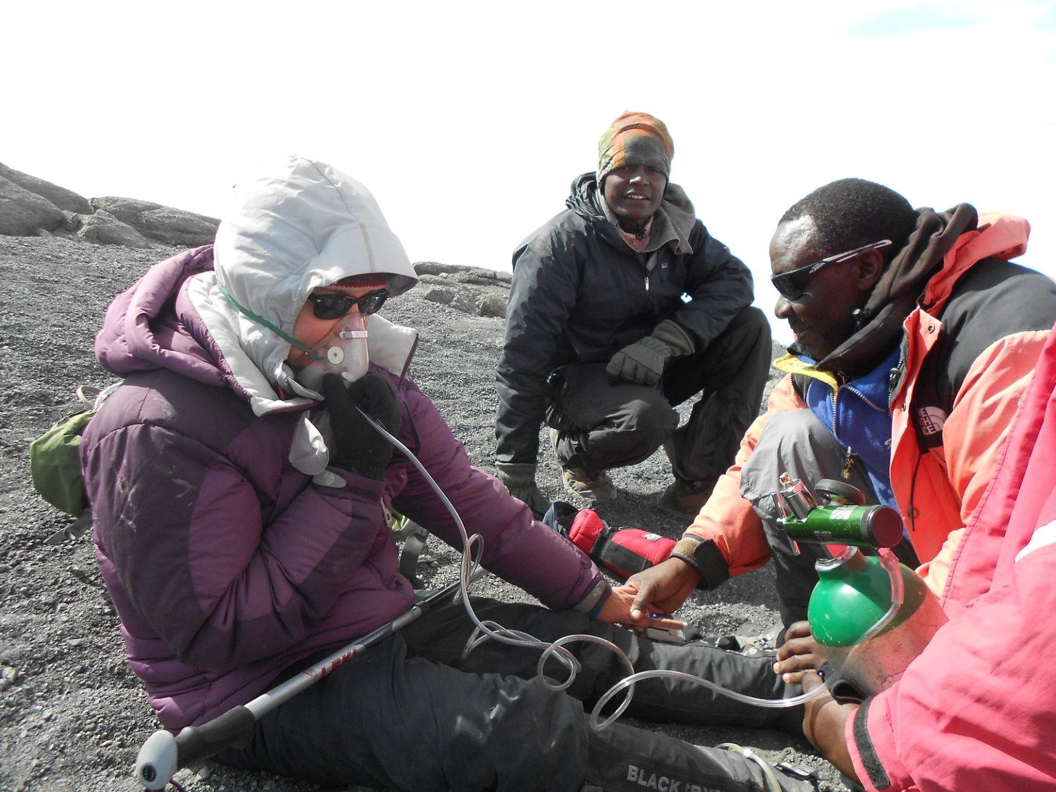 Kilimanjaro oxygen rescue